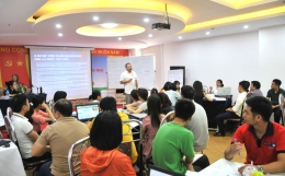 VinaCert organized an internal training course in the field of its activates